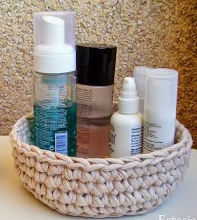 http://www.espaciocrochet.com/2012/09/cesto-de-trapillo.html