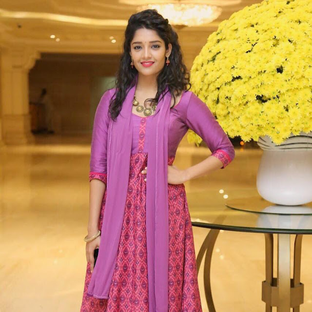 Ritika Singh age, wiki, actress, saala khadoos, ranveer singh, father, actress age, family, husband, biography, hot, photos, images, upcoming movies, hd photos, movies