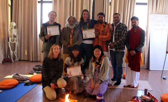 Rishikesh Yoga School