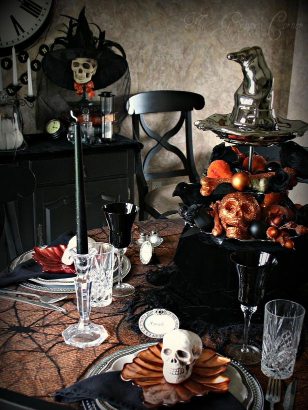 spooky halloween table settings and decorations 2012 ideas from hgtv modern furniture deocor. Black Bedroom Furniture Sets. Home Design Ideas