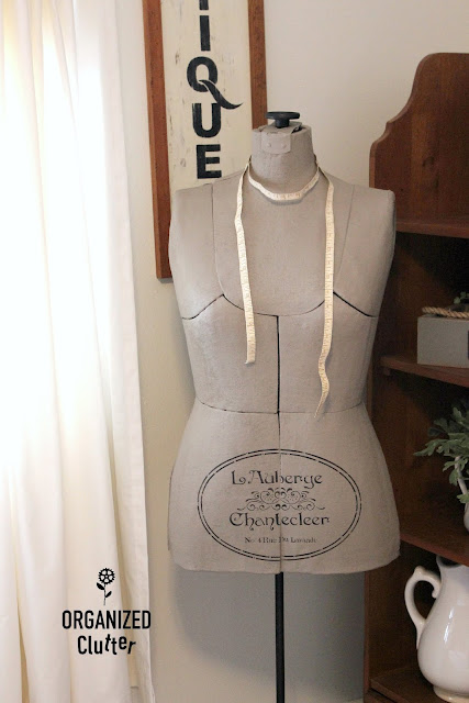 Vintage Dress Form Makeover with Paint & a Stencil #vintage #upcycle #dressform #fusionmineralpaint #stencil #frenchinn