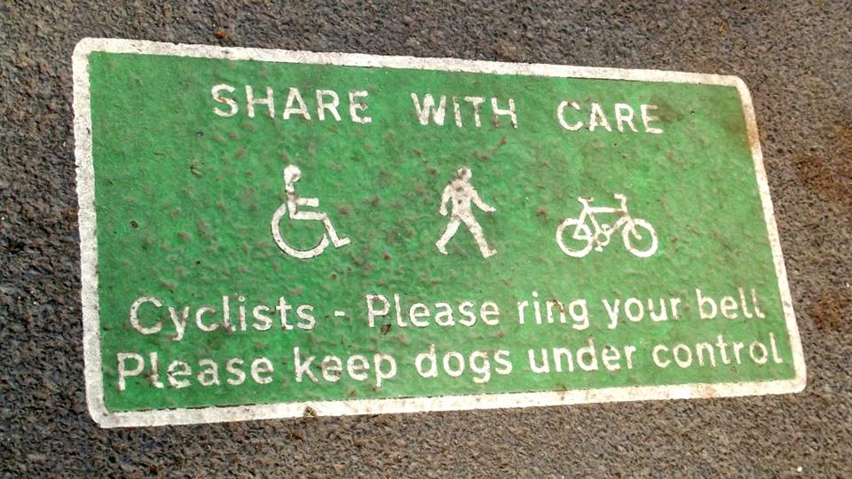 Convivencia entre peatones y ciclistas
