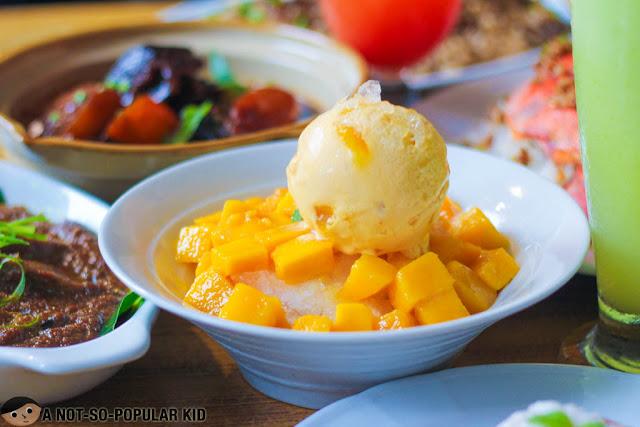 Snowy Mango of Fely J's