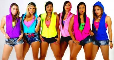 Foto de Son Tentación con ropa de muchos colores
