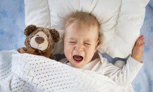 Penyebab Anak Kecil Tiba-Tiba Terbangun Pada Malam Hari dan Menangis