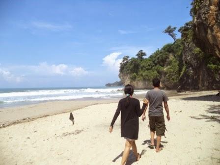 Pantai Gua Langir - Desa Sawarna