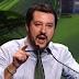 «Η Ιταλία δεν θα υποχωρήσει  απέναντι στις Βρυξέλες», λέει ο Ματέο Σαλβίνι