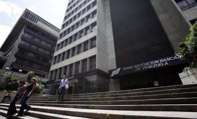 Falta de liquidez generada por el encaje pone en jaque las transferencias bancarias