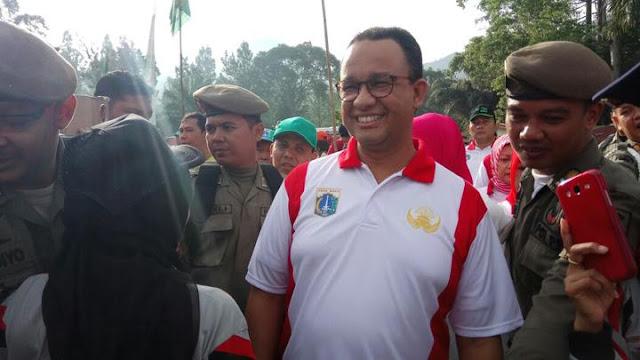 "Anies basewdan menilai ""Kebun teh penyebab banjir Jakarta''"
