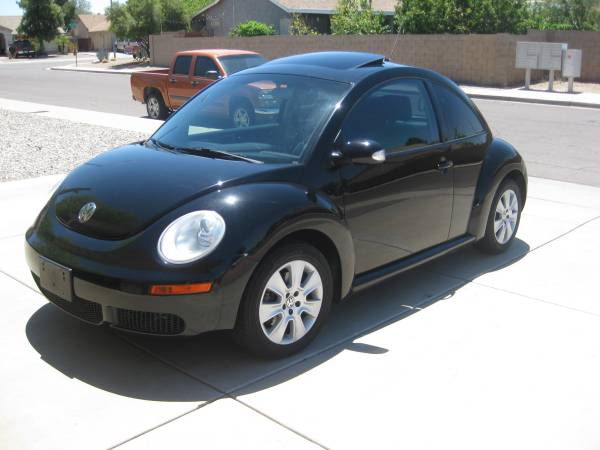 Low Miles 2009 VW Beetle Black