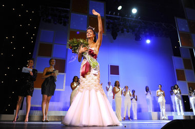 Kaitlin Monte was crowned Miss New York 2011