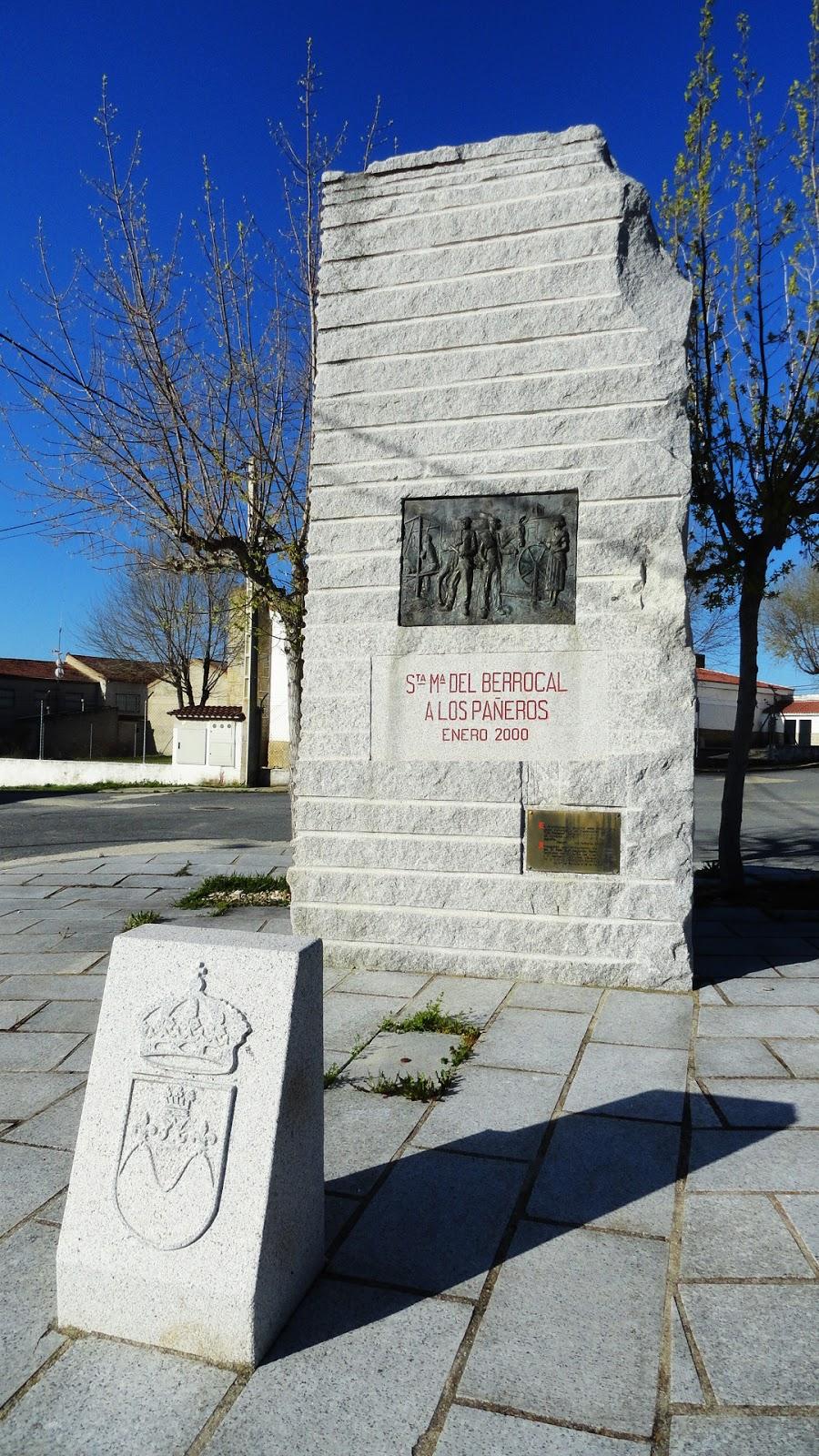 Resultado de imagen de monumento a los pañeros santa maría del berrocal
