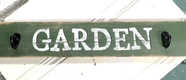Perfectly Imperfect Reclaimed Wood Signs www.homeroad.net