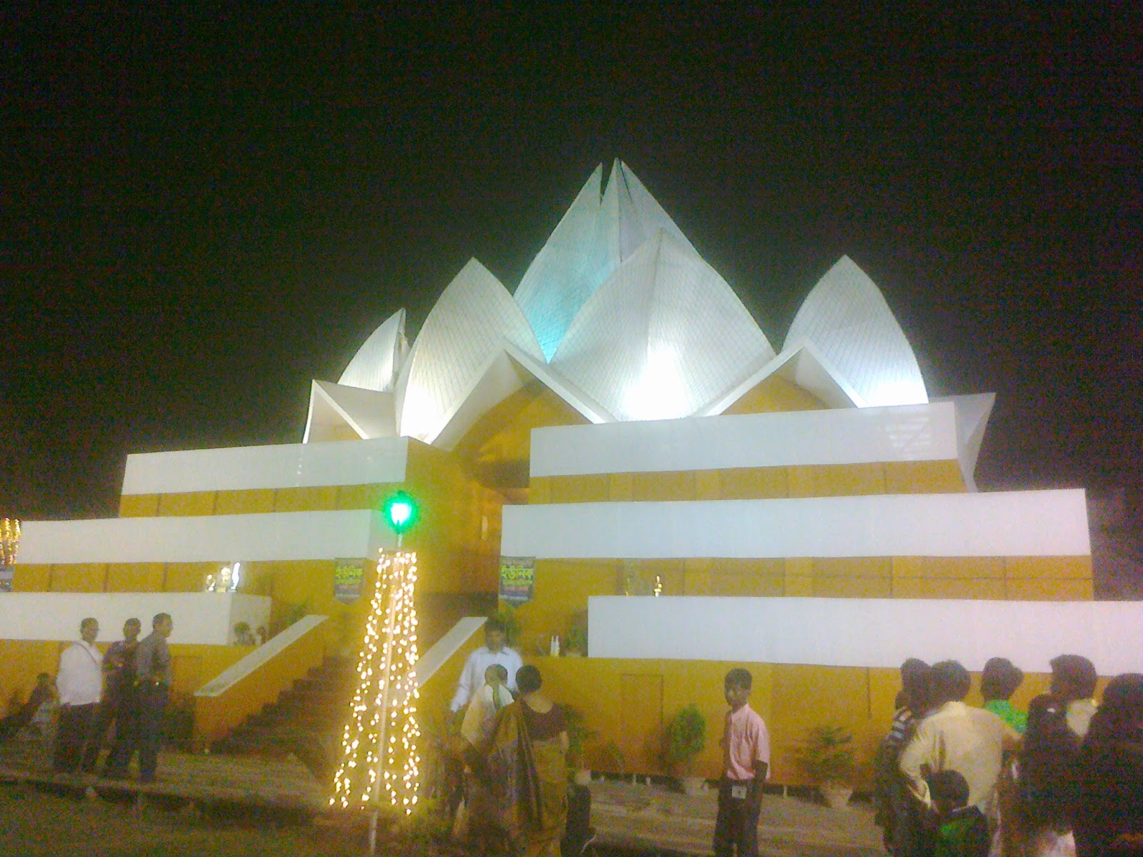 recreating lotus temple as durga puja pandal in dankuni howrah mandap
