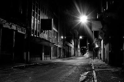 Resultado de imagem para cidade escura