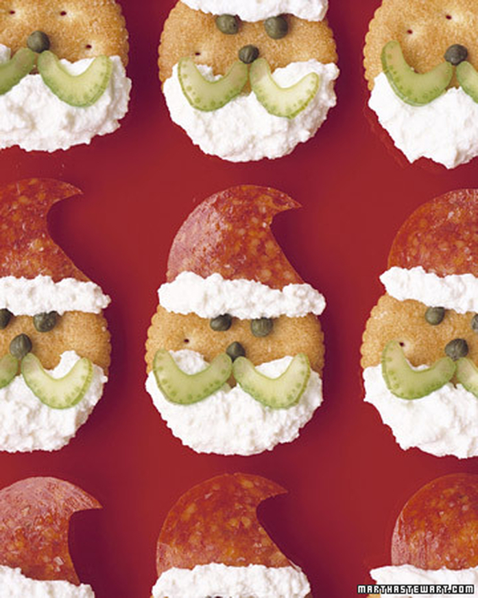 5 Fun Holiday Treats to make with the kiddos over the Holidays-Santa Claus Crackers