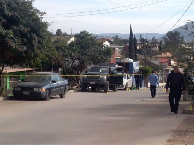 Ejecutan dos hombres y lesionan a uno en Las Torres, de Tijuana