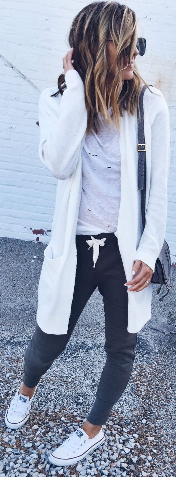 tredy outfit idea : white cardi + top + bag + pants + sneakers