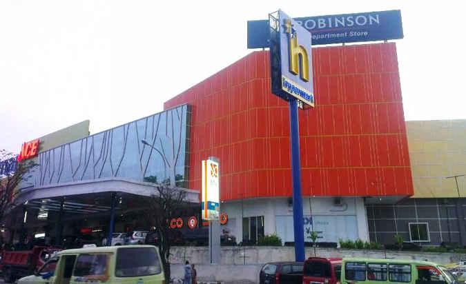 Manajemen Maluku City Mall (MCM) akan membangun videotron berukuran 25 x 5 meter sebagai media promosi digital, untuk memperkenalkan produk-produk terbaru kepada konsumen di daerah ini.