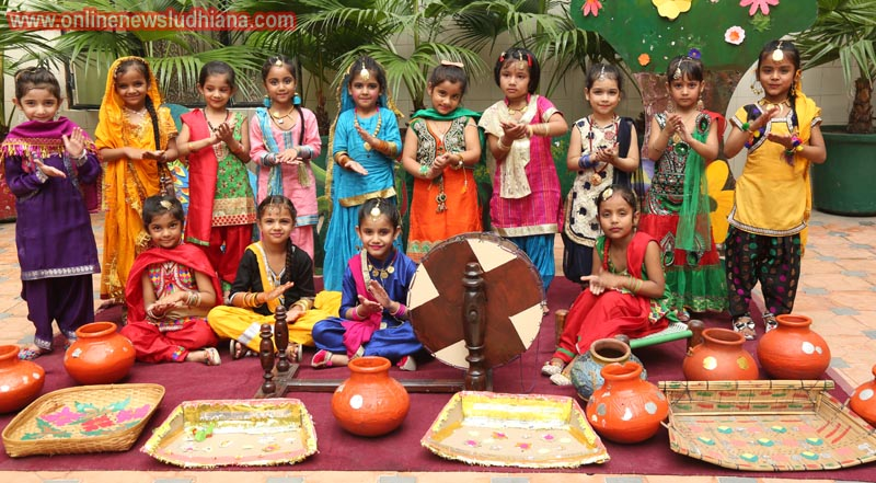 Tiny Tots Celebrate Teej at Green Land Public School