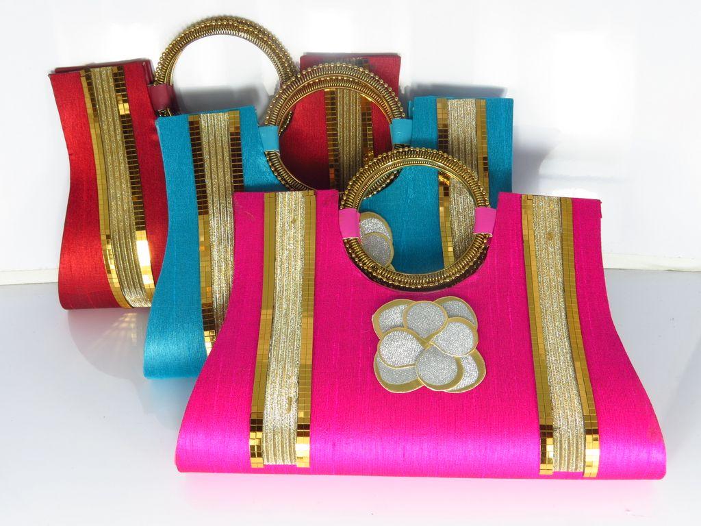 80be8a04155a Ladies designer handbags UK  Ladies handbags online