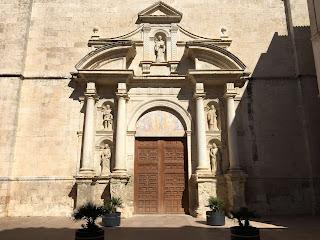 Porta principal de l'esglèsia de Sant Julià de l'Arboç