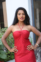 Mamatha sizzles in red Gown at Katrina Karina Madhyalo Kamal Haasan movie Launch event 234.JPG