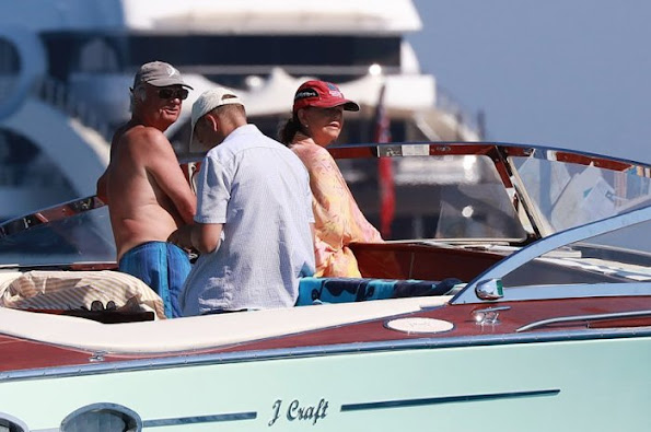 Princess Madeleine, Princess Elenore, Princess Sofia Hellqvist, Prince Carl Philip, Prince Daniel, Crown Princess Victoria and Princess Estelle on beach in Saint Tropez