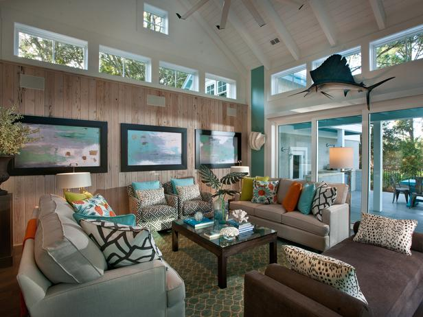 Hgtv Modern Living Room Coastal Light Blue Walls Halloween Decorations Ideas 2013 Smart Home Pictures What Linda Describes As A Very Evolutionary Began With Charcoal Chaise Positioned In Front Of Telescoping Glass Doors