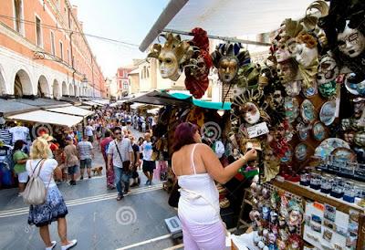 shopping belanja suvenir di Venice Italia