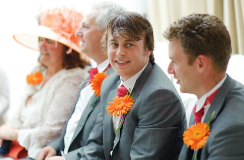 5 Tips To Make Your Single Guests Feel Comfortable At Your Wedding