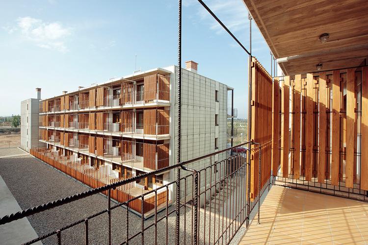 80 vivienda de protecci n oficial salou toni giron s saderra aib architecture obras - Pis proteccio oficial barcelona ...