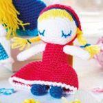 http://www.topcrochetpatterns.com/free-crochet-patterns/amigurumi-fairytale-characters
