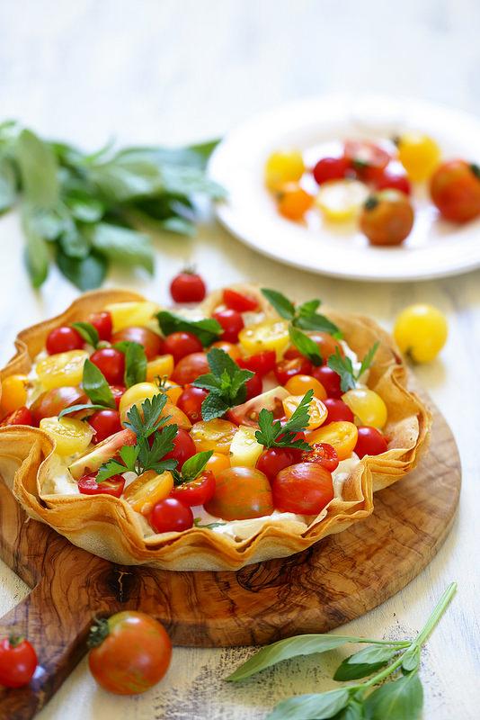 Tarte croustillante aux tomates et au chèvre frais
