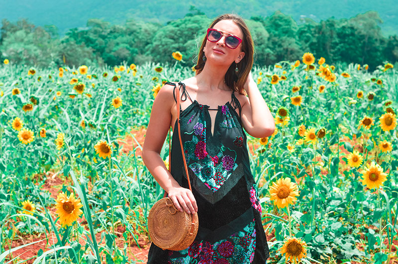 fashion blogger shoot in sunflower fields how to wear velvet