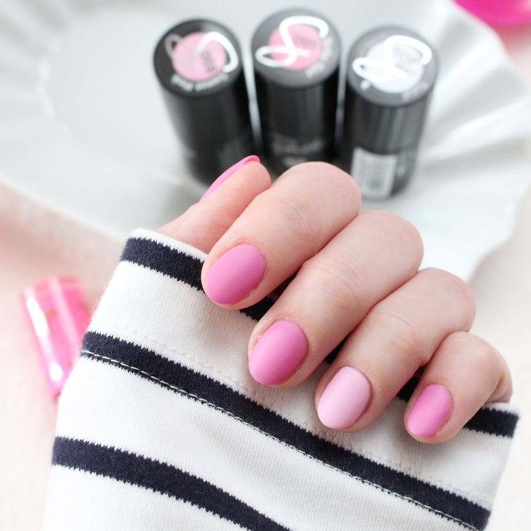 semilac_manicure_hybrydowy_009_baby_girl_003_sweet_pink_top_mat_total_paski