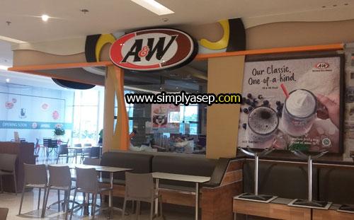 AW : Anda penikmat AW juga bisa dinikmati di Ground Floor (Lantai dasar) dalam Transmart Carrefour Kubu Raya yang bisa dicapai melalui gerbang utama. Foto Asep Haryono