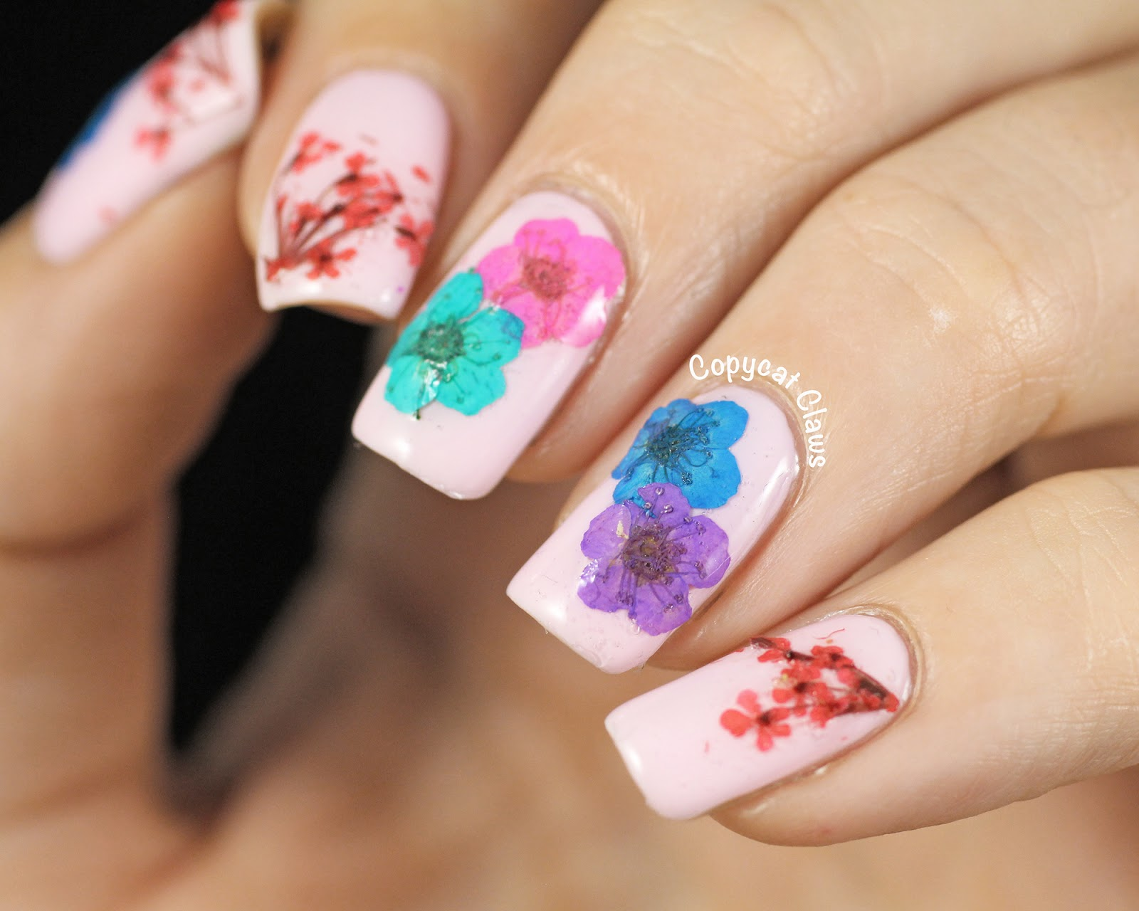 Copycat Claws: Real Dried Flower Nail Art