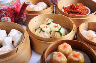 Dim sum in bamboo containers
