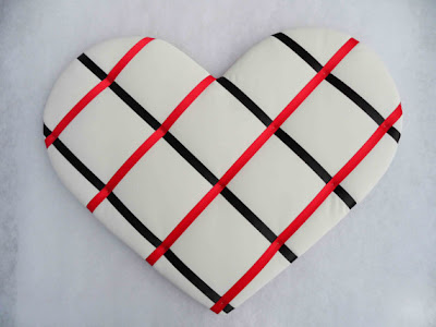 heart-shaped ribbon memo board