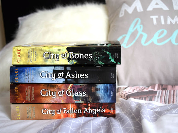The love and hate relationship with Cassandra Clare`s books
