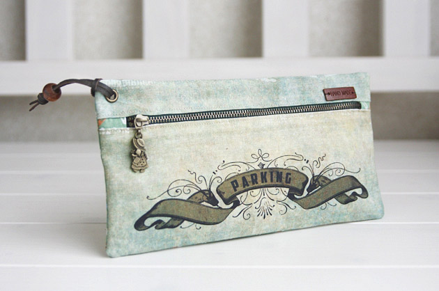 Vintage Style Zippered Pouch. Sew DIY Tutorial in Pictures.