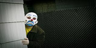 Οι ευχές της μεσαίας τάξης: να μη βρεθώ στη φυλακή για χρέη!