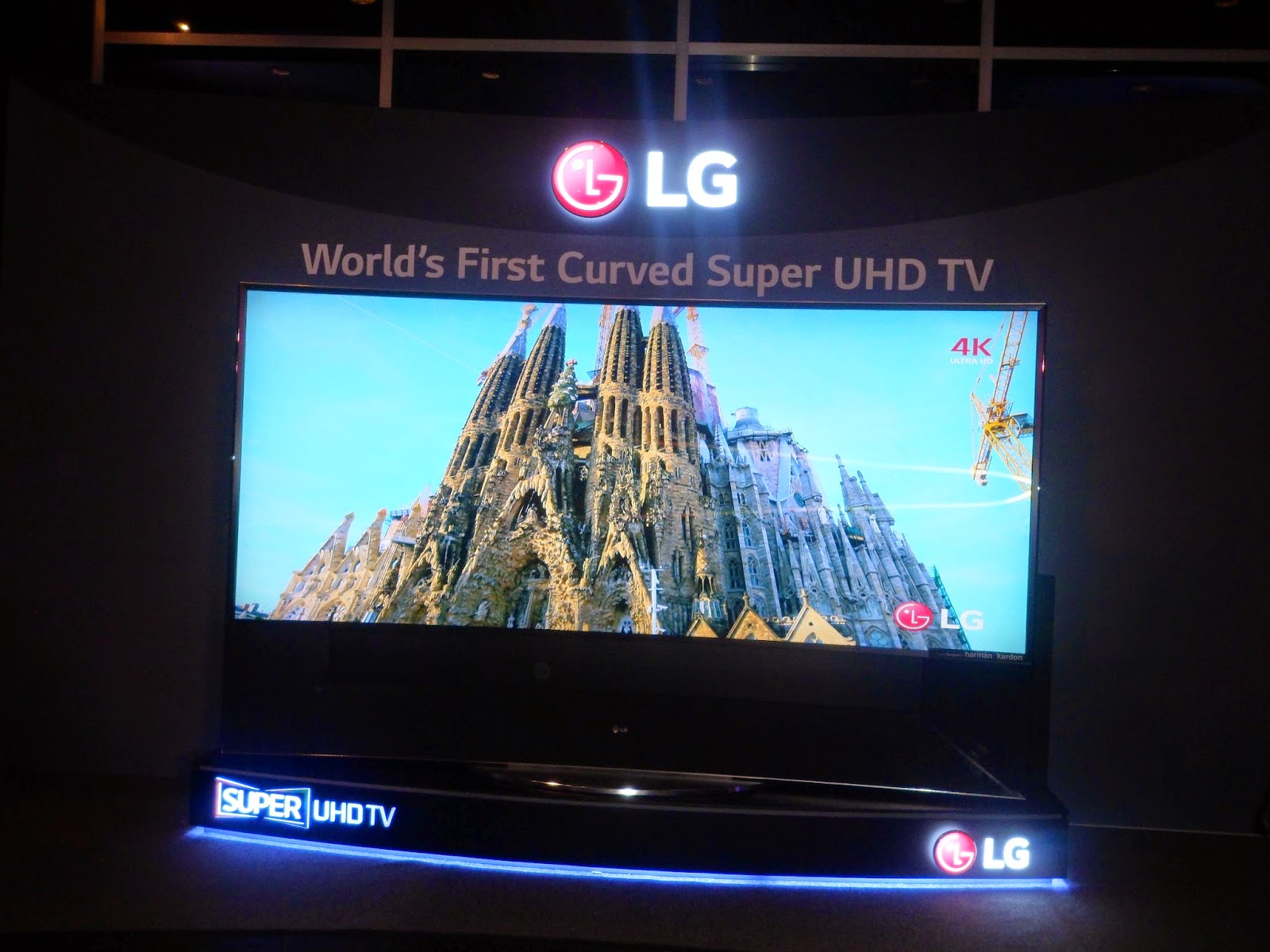 1d03e496b3a The Global innovator of LG Electronics brings to the Philippines the  biggest television today
