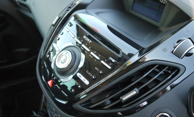 Ford B-Max console buttons