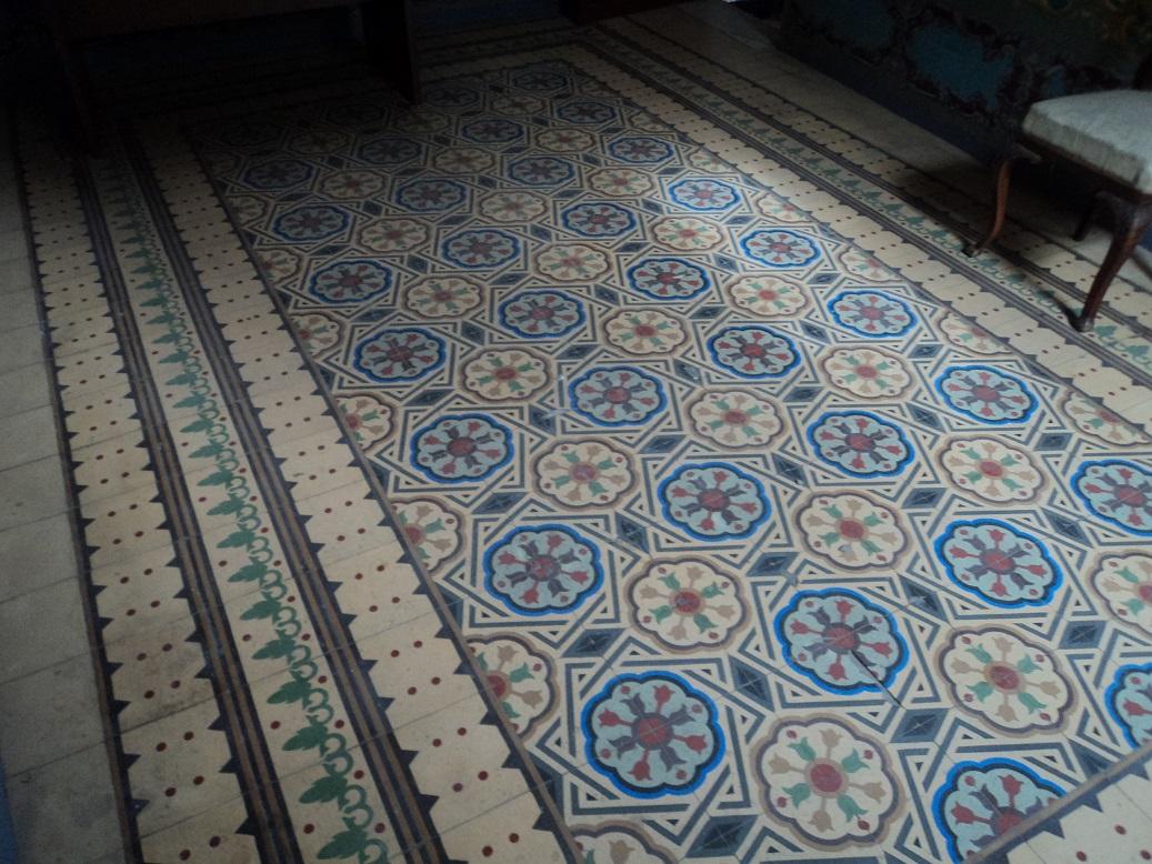 Cultura de sevilla descubriendo el regionalismo casa - Zocalos de azulejos ...