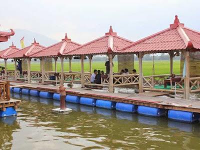 Floating stalls