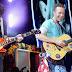 Chris Martin y Michael J. Fox juntos en el escenario