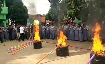 Ribuan Pelajar SMU se-Bandarlampung Bakar Ganja