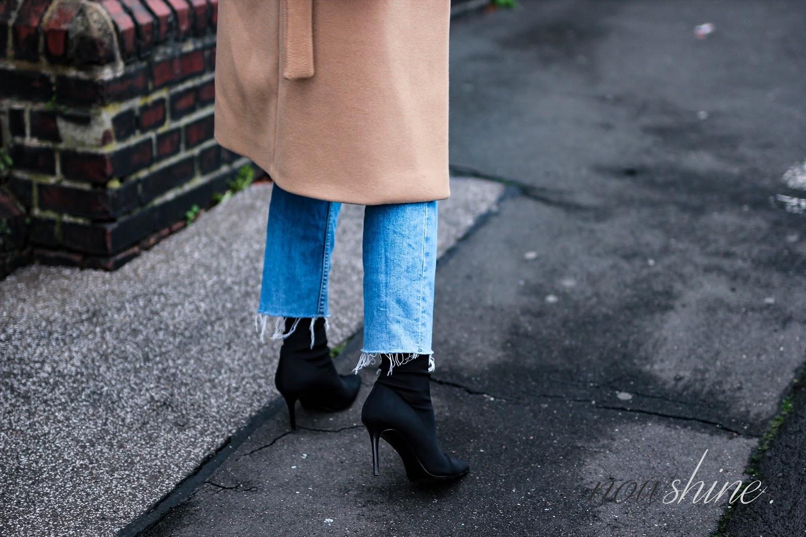 Wollmantel-Camel-Pullover-Strenesse-Sockboots